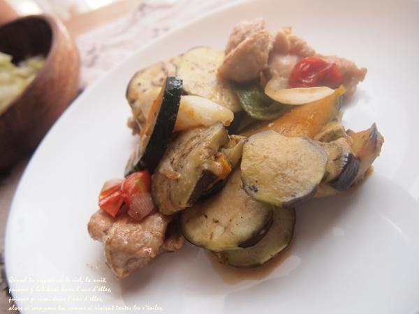 チキンと彩夏野菜の蒸し煮完成