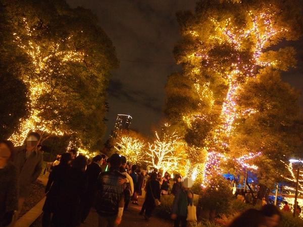 東京ミッドタウンイルミネーション街路樹混雑